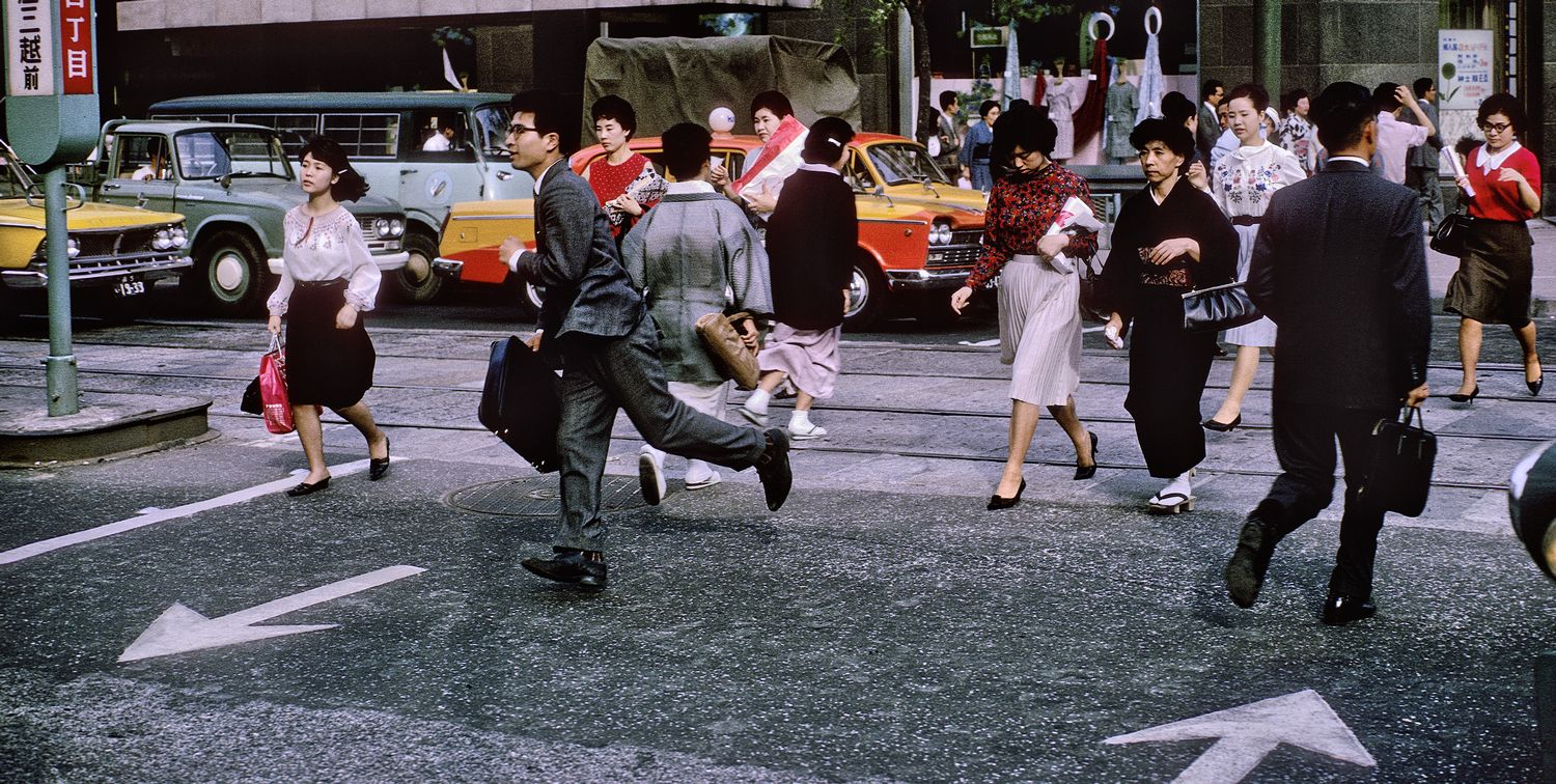 commuters in Tokyo Japan running across the street - Tokyo street scene - 1965 - Kodachrome - Tony Karp, design, art, photography, techno-impressionist, techno-impressionism, aerial photography , drone , drones , dji , mavic pro , video , 3D printing - Books -